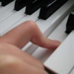 ピアノの指 へこみ