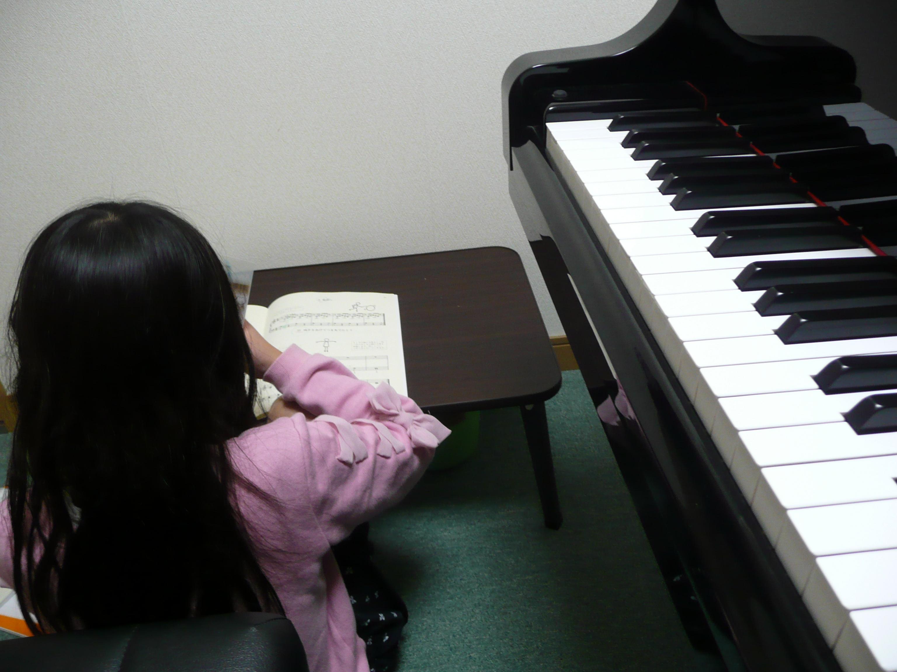 ピアノシール貼