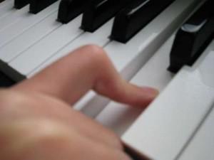 ピアノの指